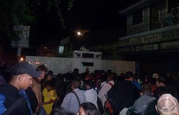 Tras cierre de la frontera con Colombia colocan unidades antimotín en Táchira | Foto: @tunoticiav