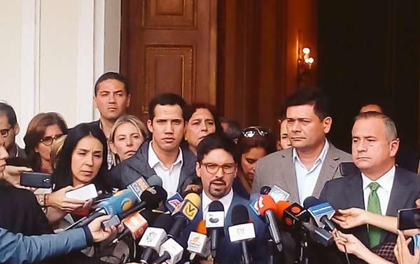 Voluntad Popular se pronuncia tras ausencia de diputados | Foto: @oliviaylozano
