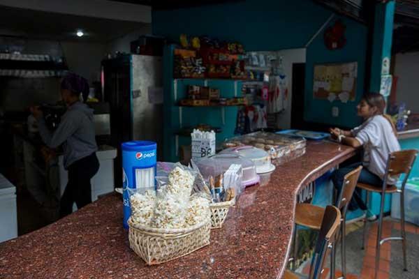 Emprender en Venezuela es una labor de héroes en medio de la crisis económica | Foto: EFE