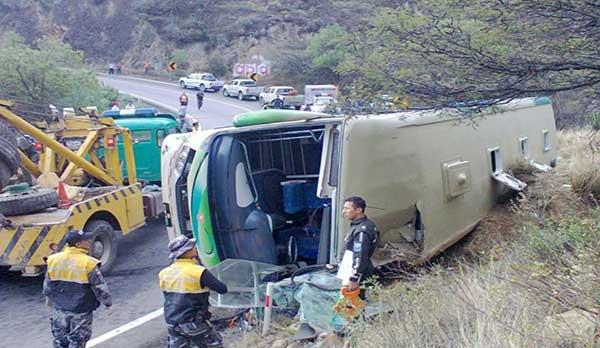 Al menos seis muertos dejó accidente de autobús en Brasil   Foto referencial