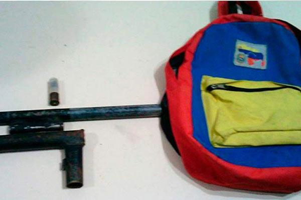 Arma incautada al adolescente | Foto: Sol de Margarita