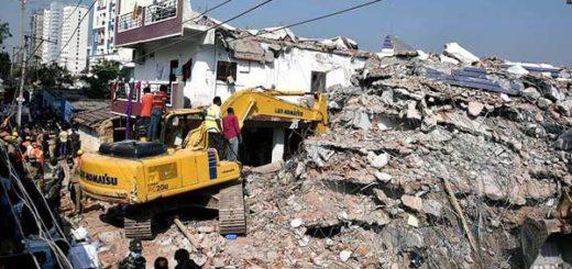Derrumbe de edificio en la India  Foto: AFP