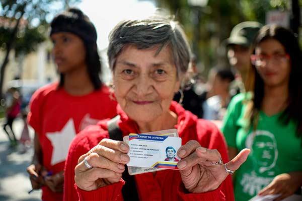 Carnet de la Patria, la nueva medida del Gobierno de Nicolás Maduro |Foto: AFP