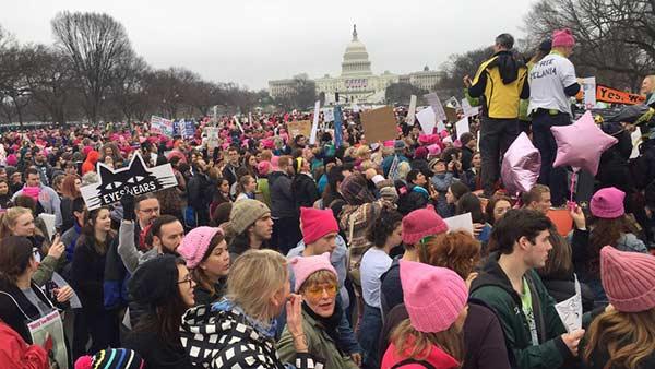 Este sábado se realiza la masiva protesta de mujeres contra Donald Trump |Foto: AFP