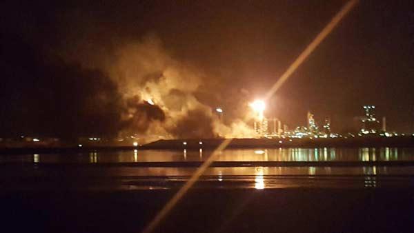 Controlaron incendio en refinería Amuay de Falcón   Foto: Twitter