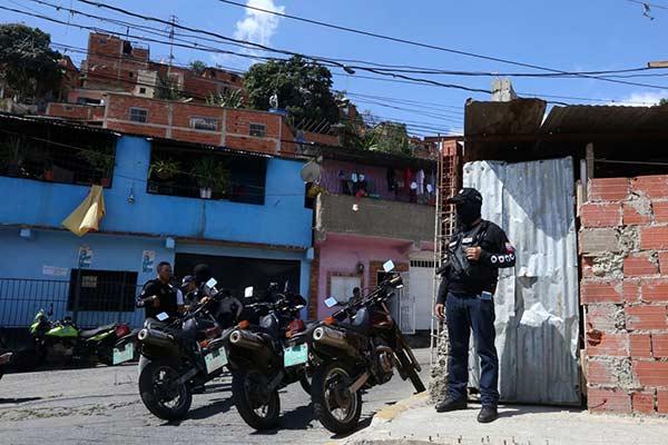 Enfrentamiento entre delincuentes y PNB en Antímano dejó 4 fallecidos |Foto: @NestorReverol