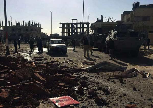 Un civil y 9 policías mueren en un atentado con coche bomba en el Sinaí | Foto: EFE