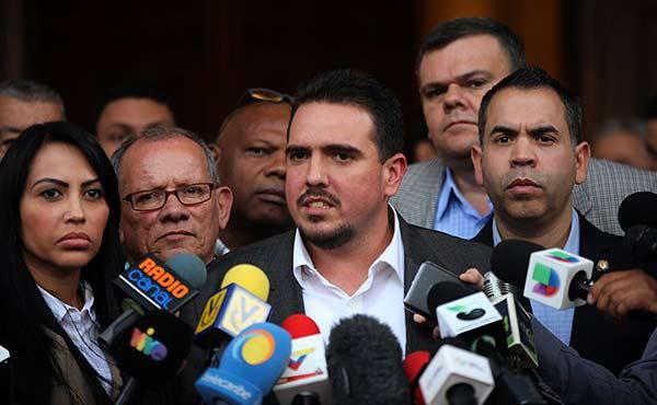Stalin González, Jefe de la bancada de la Unidad en la AN | Foto: @AsambleaVE