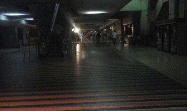 Aeropuerto de Maiquetía sufrió un apagón al registrarse falla eléctrica | Foto: Twitter