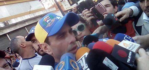 Henrique Capriles, Gobernador del estado Miranda durante movilización al CNE | Foto: @UnidadVenezuela