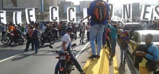 Oposición tomó la autopista Francisco Fajardo este #24Ene | Foto: @Pr1meroJusticia