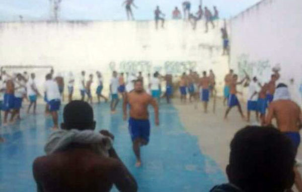 Motín en cárcel de Brasil   Foto: Twitter