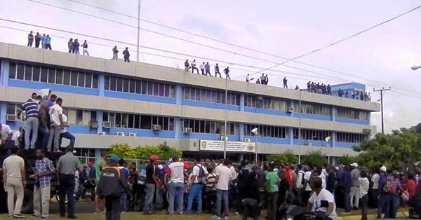 Colectivos denunciaron presunto abuso de autoridad por parte del Cicpc |Foto: Pableysa Ostos