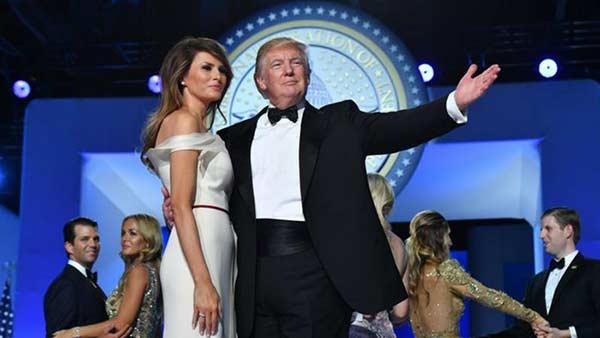 Primer baile presidencial de Donald Trump junto a su esposa |Foto: EFE