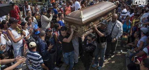 Los momentos más emotivos del último adiós a Arnaldo Albornoz | Foto: El Pitazo
