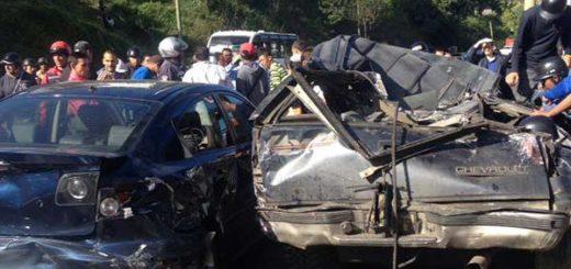 Un muerto y ocho heridos tras colisión de un camión en El Tambor   Foto: Daniel Murolo