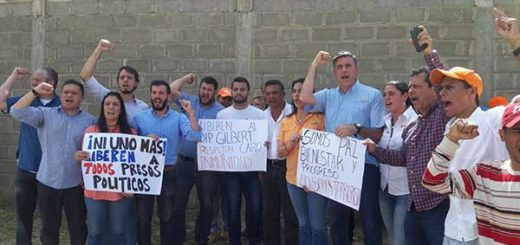 Dirigentes de VP exigieron libertad de Gilber Caro en la cárcel 26 de julio | Foto: Foto: @AlfredoJimenoR