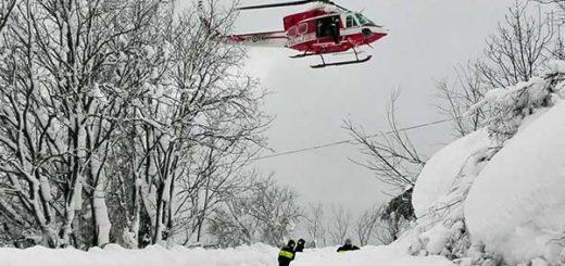 Cuerpo de rescatistas en Italia emprenden la búsqueda de sobrevivientes y heridos |Foto: EFE