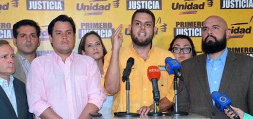 Juan Requesens junto a demás diputados de la Asamblea Nacional |Foto: El Nacional