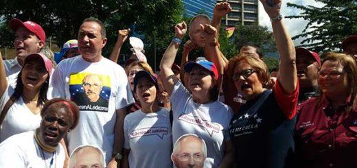 Mitzy de Ledezma: La gente no quiere más mamadera de gallo | Foto: @justiciasocial