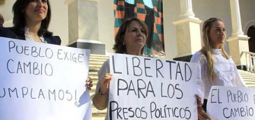 Mitzy de Ledezma junto a Lilian Tintori y Patricia de Ceballos | Foto: @Twitter