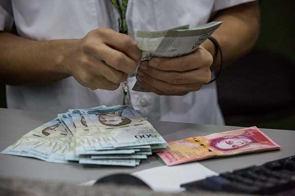 Presupuesto del país se elevará en Bs 8,9 billones por ajuste salarial | Foto: EFE