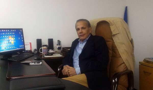 Manuel Rosales visitó la sede del partido UNT tras su liberación | Foto: Enrique Márquez