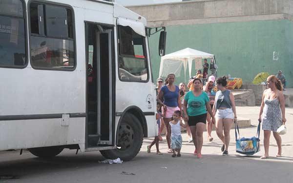 Transportistas de rutas entre Caracas y La Guaira aumentan a más de tres veces el valor del pasaje |Foto: La Verdad