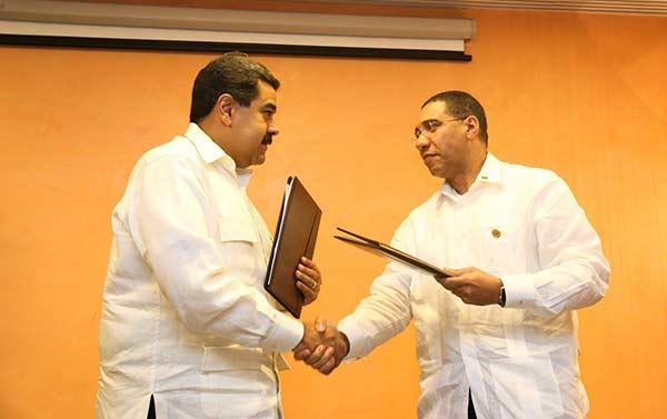 Venezuela y Jamaica firman pre-acuerdo para modernizar refinería de Kingston   Foto: @DPresidencia