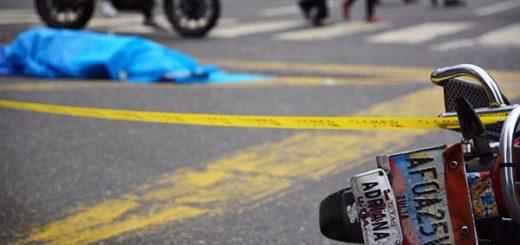 Joven muere arrollada | Foto: @RCamachoVzla