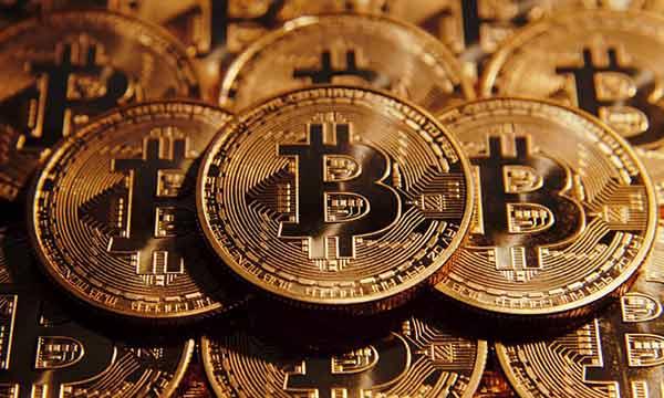 Precio del Bitcoin supera por primera vez los 15.000 dólares | Foto referencial