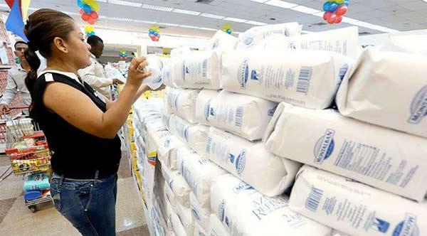 Los precios del azúcar siguen montados en el ascensor   Foto referencial
