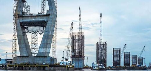Construcción del Puente Mercosur sobre el río Orinoco está paralizada | Foto: MERIDITH KOHUT//BLOOMBERG NEWS