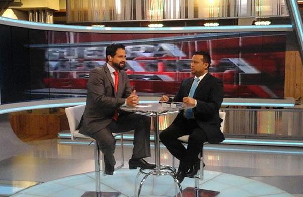 El director de la Conatel, Andrés Eloy Méndez en entrevista a VTV | Foto referencial