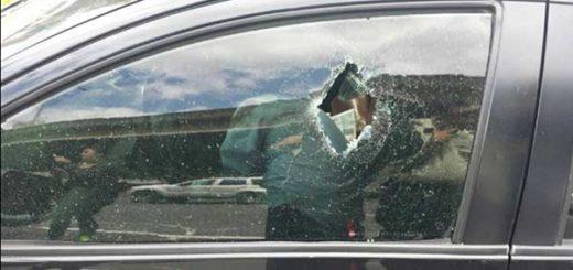 El hombre recibió los impactos de bala dentro de su vehículo |Foto: El Nacional