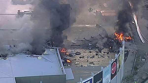 Cinco muertos al estrellarse avioneta contra centro comercial en Australia | Foto: Infobae