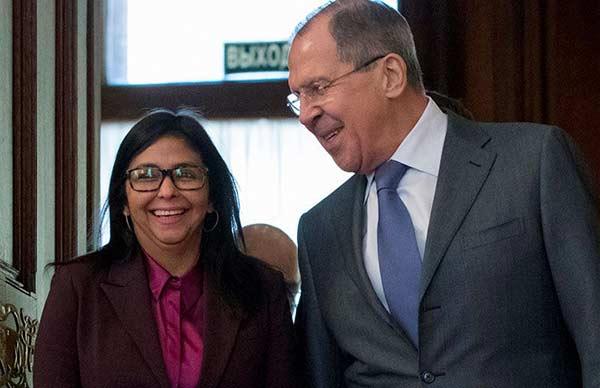 La canciller de Venezuela, Delcy Rodríguez, y su homólogo ruso, Serguéi Lavrov | Foto: Twitter