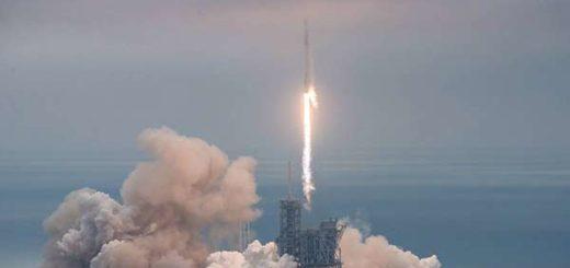 El SpaceX Falcon 9 en el momento de su despegue |Foto: EFE