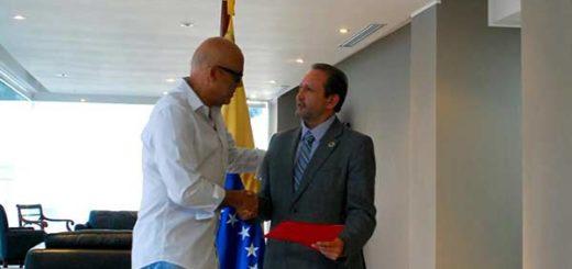 Jorge Rodríguez entregó documento a Unasur |Foto: Twitter