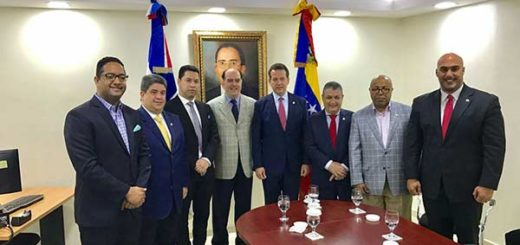 Borges se reunió con miembros del Parlamento dominicano para abordar crisis venezolana | Foto: Nota de prensa