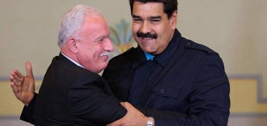Canciller palestino junto a Nicolás Maduro | Foto: