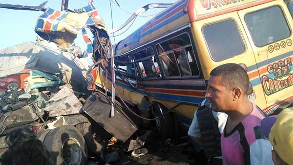 Accidente vial en Güigüe | Foto: Twitter