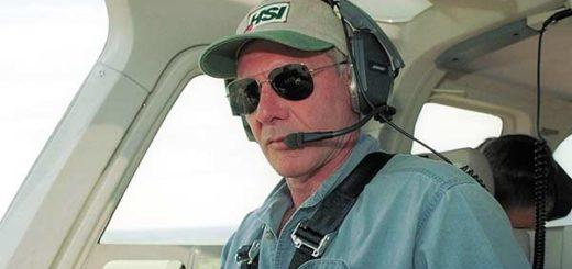 Harrison Ford casi provoca un accidente aéreo al equivocarse de pista de aterrizaje | Foto: EFE