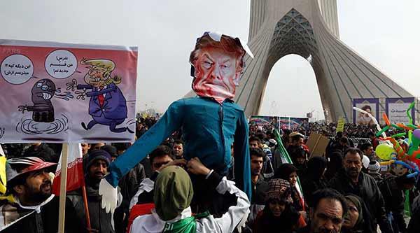 Miles de iraníes marcha contra Trump | Foto: Twitter
