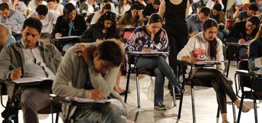 En 2016 médicos venezolanos presentaron Examen Unico Nacional de Conocimientos de Medicina para trabajar en Chile | Foto: Agencias