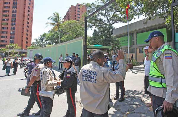 30 lesionados dejó enfrentamiento en el liceo Urbaneja Achelpohl | Foto: El Nacional
