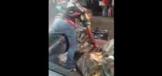 Siguen apareciendo pruebas de la crisis alimentaria, más venezolanos comiendo de la basura  Captura de video