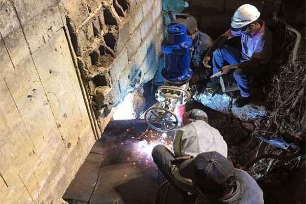 Inician maniobras operativas para llenado de tubería afectada en Plaza Venezuela | Foto: Hidrocapital