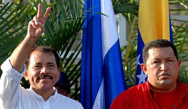 Daniel Ortega, presidente de Nicaragua junto a Hugo Chávez, fallecido presidente de Venezuela  Foto: Runrunes
