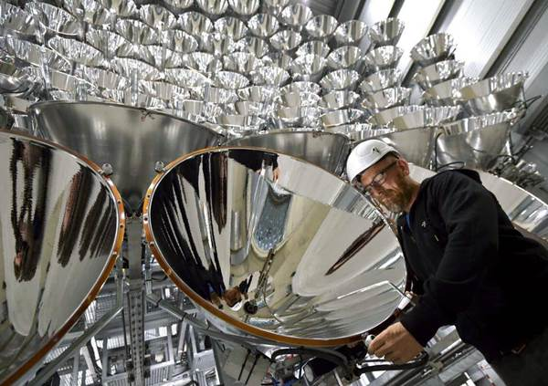 """Científicos alemanes encendieron """"el sol artificial más grande del mundo""""   Foto: AP"""